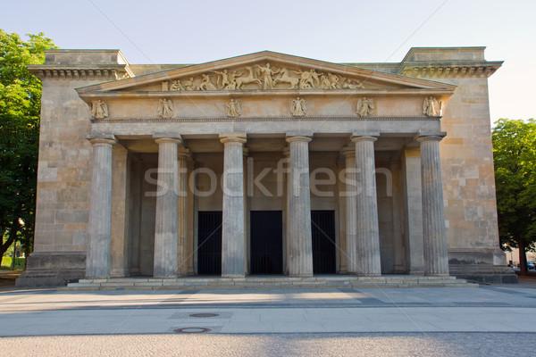 Berlijn dode oorlog terreur soldaat verdriet Stockfoto © elxeneize