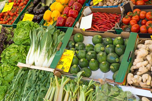свежие овощи рынке разнообразие овощей еженедельно продовольствие Сток-фото © elxeneize