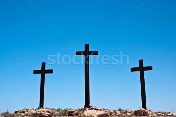 üç haçlar mavi gökyüzü çöl imzalamak kültür Stok fotoğraf © emattil