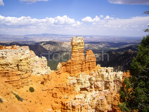 Bryce Canyon rocks glow in the sunlight Stock photo © emattil