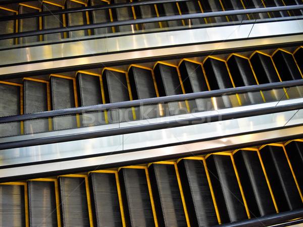 Bewegende trappenhuis drie reizen Geel klim Stockfoto © emattil
