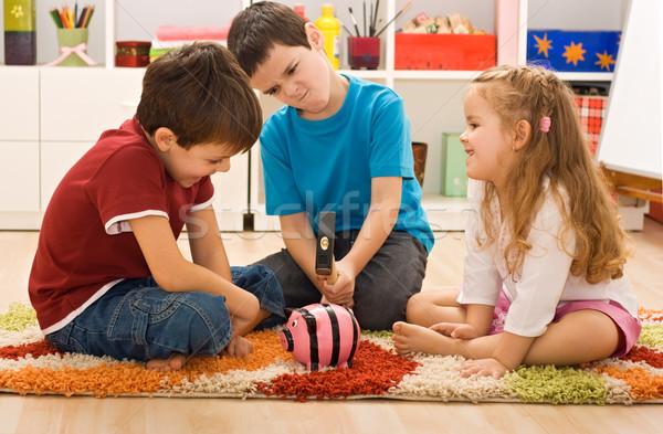 Enfants jouer tirelire colère garçon pause Photo stock © emese73