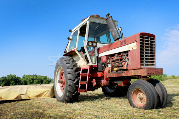 Old Farm Tractor Stock photo © enterlinedesign