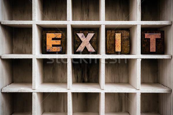 Uitgang houten type trekken woord Stockfoto © enterlinedesign
