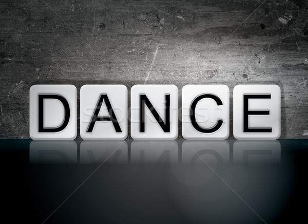 Dans kiremitli harfler kelime yazılı beyaz Stok fotoğraf © enterlinedesign