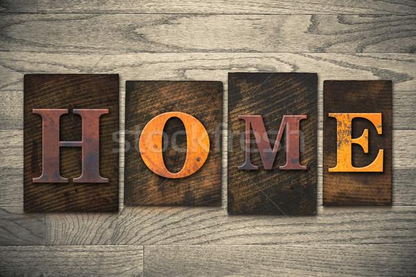 Casa tipo palavra escrito Foto stock © enterlinedesign