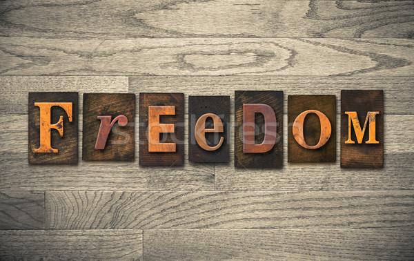 Libertà legno parola scritto vintage Foto d'archivio © enterlinedesign