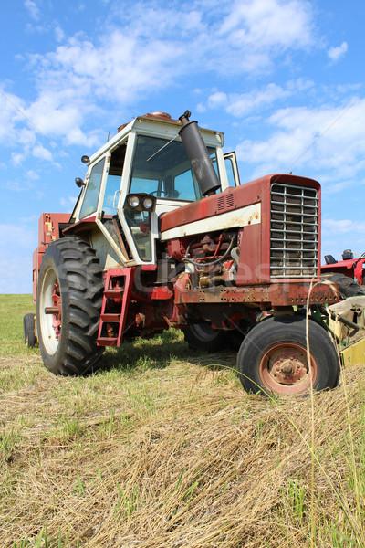 Foto stock: Granja · tractor · campo · edad · sesión
