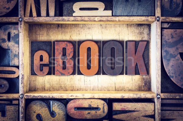 E-kitap tip kelime yazılı bağbozumu Stok fotoğraf © enterlinedesign