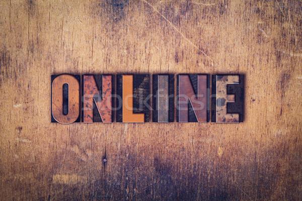 Online houten type woord geschreven Stockfoto © enterlinedesign