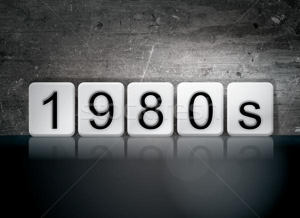 1980 piastrellato lettere parola scritto bianco Foto d'archivio © enterlinedesign