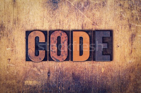 Kod ahşap tip kelime yazılı Stok fotoğraf © enterlinedesign