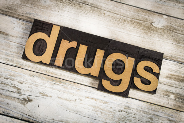 Drugs woord houten geschreven type Stockfoto © enterlinedesign
