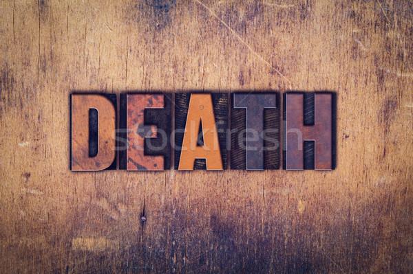 Dood houten type woord geschreven Stockfoto © enterlinedesign