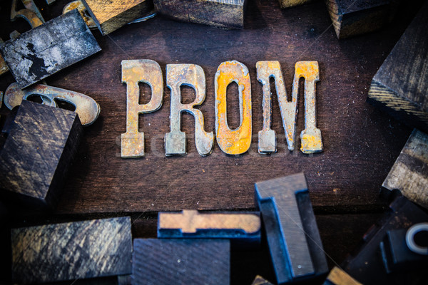 Prom hout metaal brieven woord Stockfoto © enterlinedesign