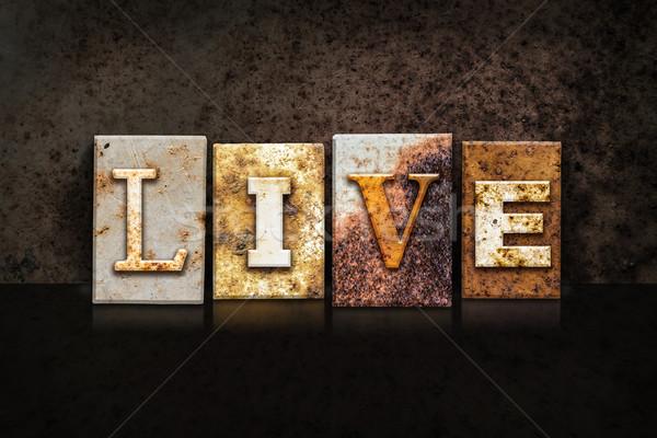 Viver escuro palavra escrito enferrujado Foto stock © enterlinedesign
