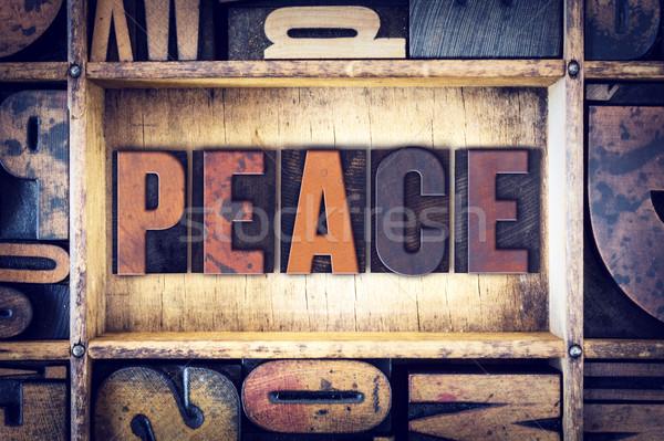 Vrede type woord geschreven vintage Stockfoto © enterlinedesign