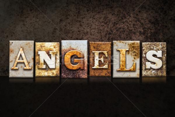 Foto stock: Anjos · escuro · palavra · escrito · enferrujado