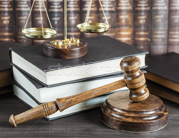 аллегория правосудия древесины молоток Весы Сток-фото © Epitavi