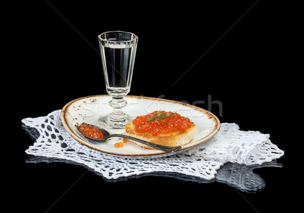 Rood kaviaar wodka glas porselein plaat Stockfoto © Epitavi