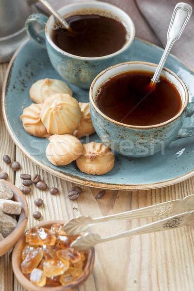 Koffie biscuits twee Blauw zwarte koffie Stockfoto © Epitavi