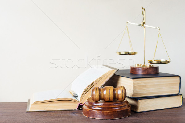 Alegoria justiça símbolos lei madeira gabela Foto stock © Epitavi