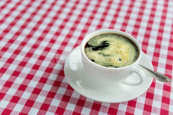 Feketekávé fehér porcelán csésze gazdag piros Stock fotó © Epitavi