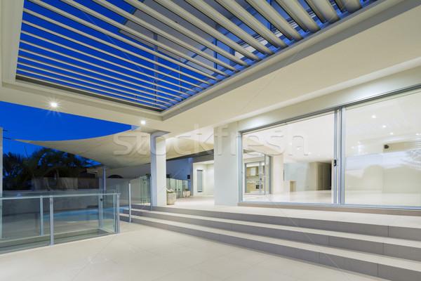 Сток-фото: современных · дом · снаружи · белый · роскошный · особняк · внешний