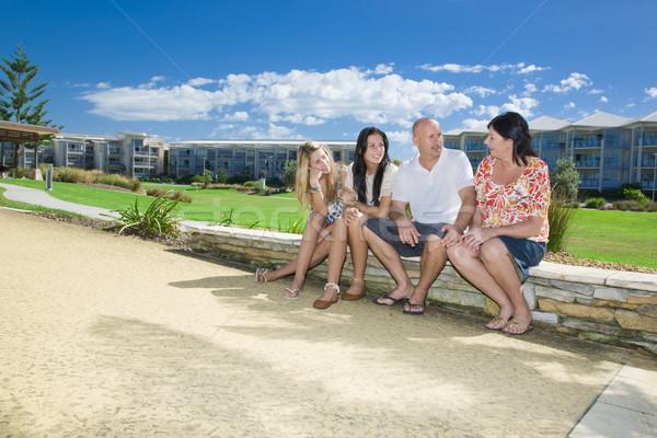Foto stock: Familia · sesión · parque · hablar · junto · ninos