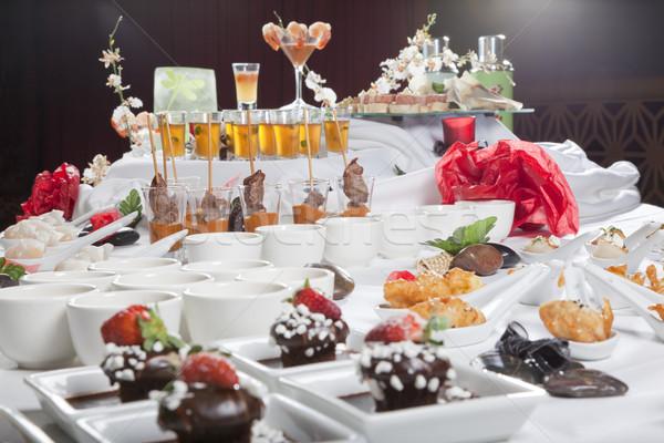 Asian fusie voorgerechten desserts tabel cake Stockfoto © epstock