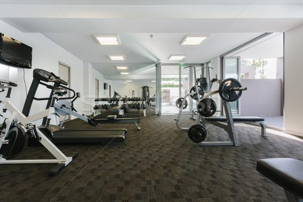 Moderno ginásio interior equipamento fitness hotel Foto stock © epstock