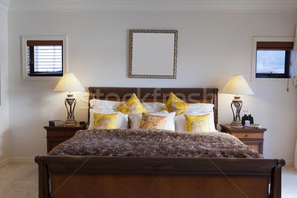 Ruim meester slaapkamer luxe huis bed Stockfoto © epstock
