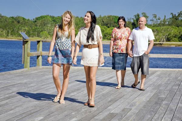 Foto stock: Familia · caminando · arroyo · agua · ninos