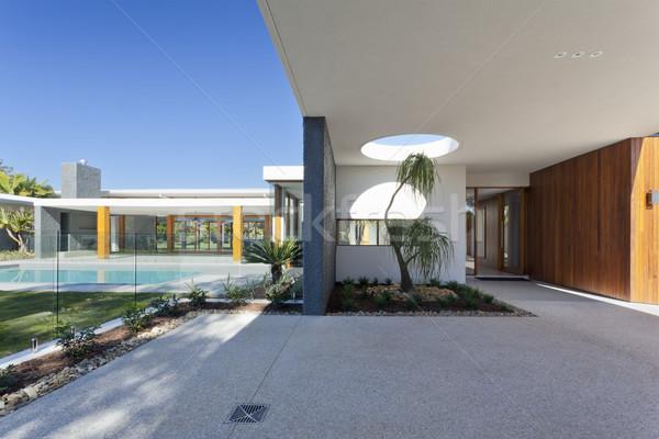 ストックフォト: 豪華な · 邸宅 · 現代 · スイミングプール · オーストラリア人