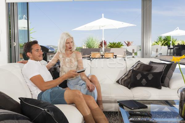 Pár nappali fiatal pér megnyugtató kanapé luxus Stock fotó © epstock
