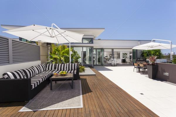 çatı katı balkon lüks ev Bina ev Stok fotoğraf © epstock
