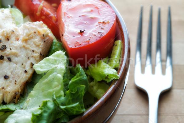 Gegrilde kip salade tomaten voedsel licht groene Stockfoto © erbephoto
