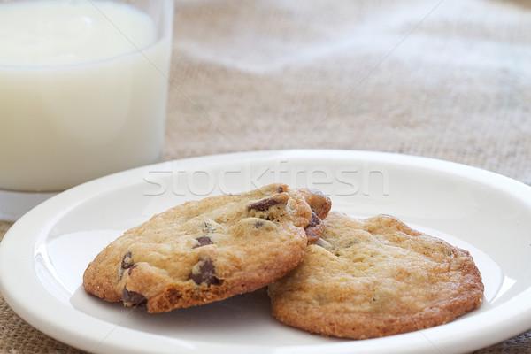 Chocolade chip cookies twee eigengemaakt glas Stockfoto © erbephoto
