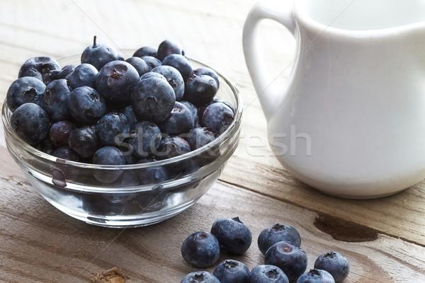 Rustiek bosbessen tabel klein witte melk Stockfoto © erbephoto