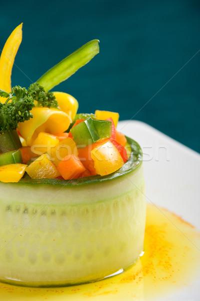 Wegetariański ogórek oliwy biały tablicy jedzenie Zdjęcia stock © ErickN