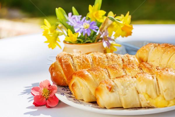 Vanille vla gevuld gebak buitenshuis ontbijt Stockfoto © erierika