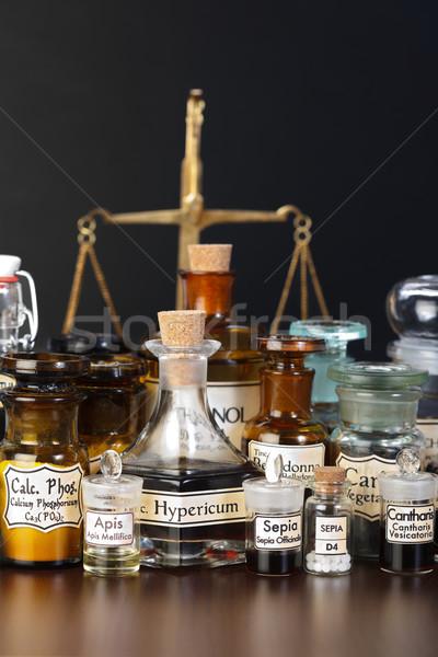 Foto stock: Farmacia · productos · químicos · homeopáticos · medicina · escala