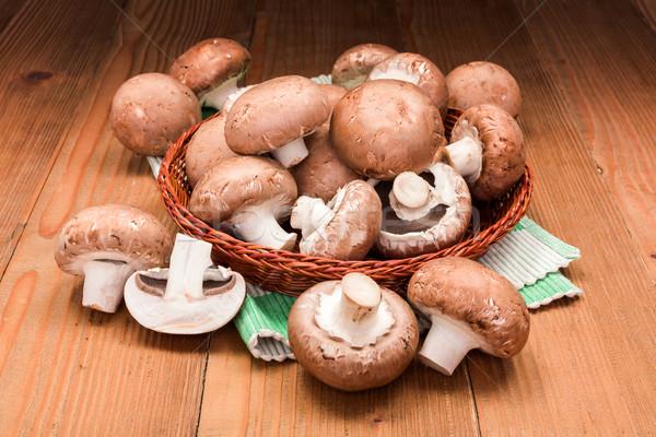 Fresco marrom cultivado comida conselho Foto stock © erierika