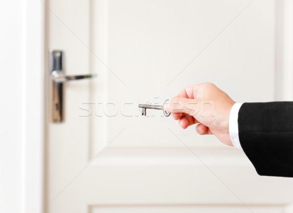 Kluczowych otwartych drzwi strony drzwi widoku Zdjęcia stock © erierika