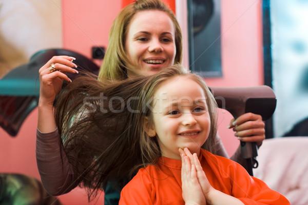 Saç stilist mutlu kız oturma kadın çalışmak Stok fotoğraf © erierika