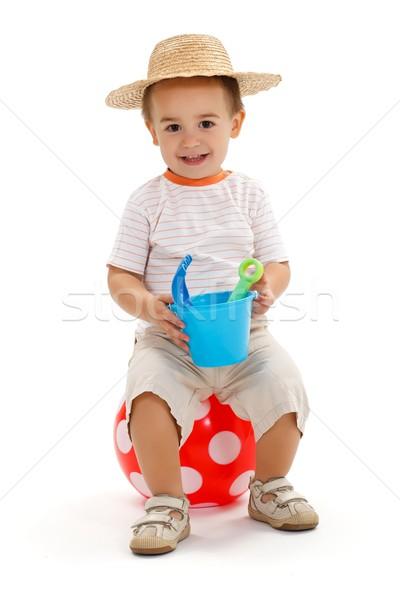Сток-фото: мало · мальчика · сидят · пунктирный · мяча