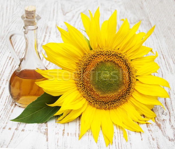 Sunflower  and oil Stock photo © Es75