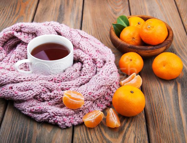 Csésze tea sál öreg fa asztal zöld Stock fotó © Es75
