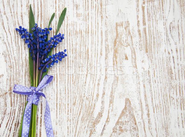 üzüm sümbül eski ahşap çiçek ahşap Stok fotoğraf © Es75