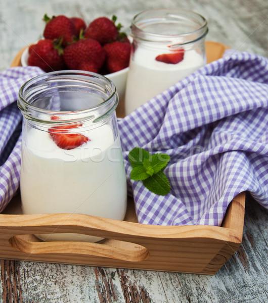 Fragola frutta yogurt fresche fragole vecchio Foto d'archivio © Es75